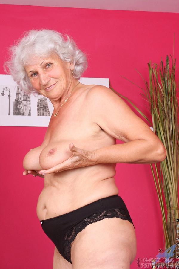 Abuelas Desnudas - Porno TeatroPornocom