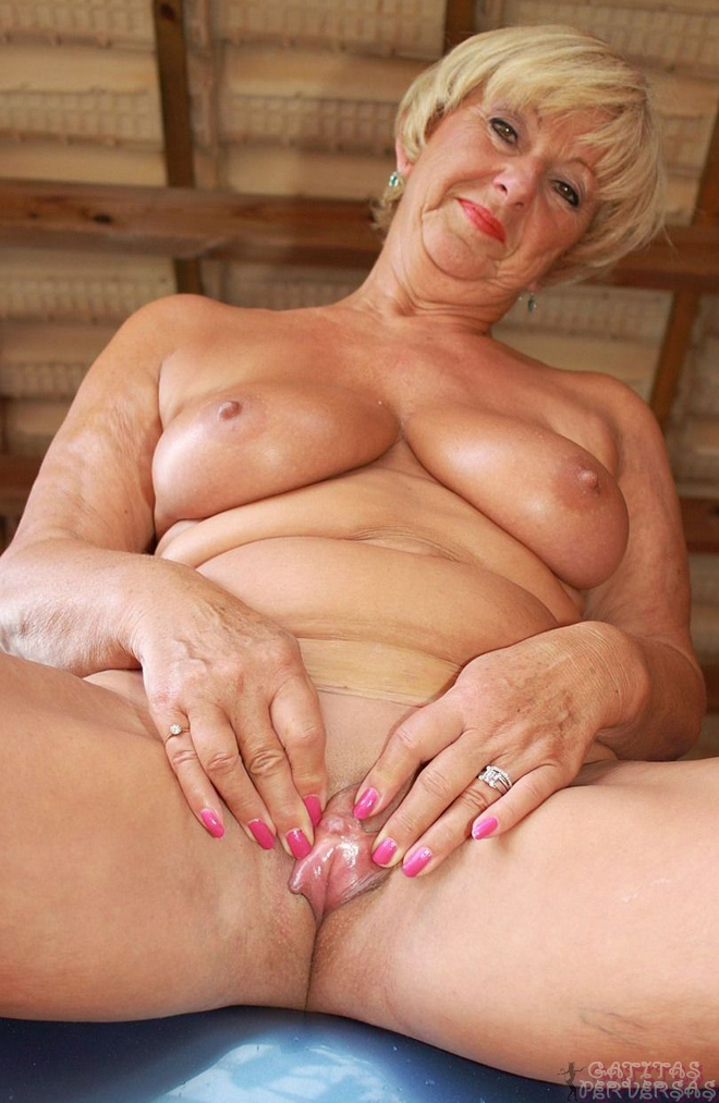 Free hot milf moms movie