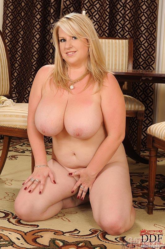 Abuelita gorda con enormes tetas 9