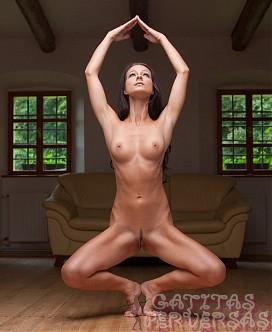 mujeres putas desnudas fotos yoga
