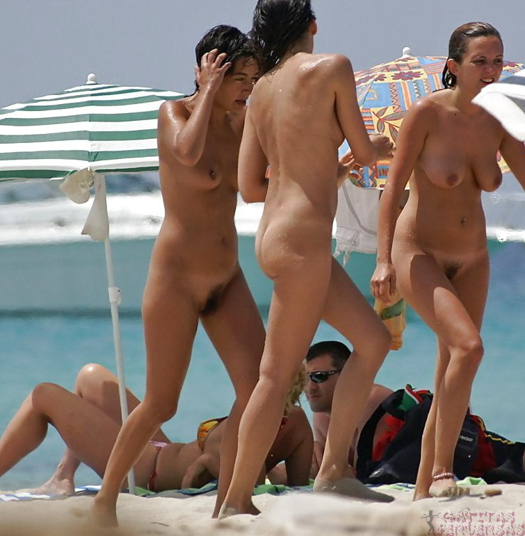 actresses flashing nude breasts in public