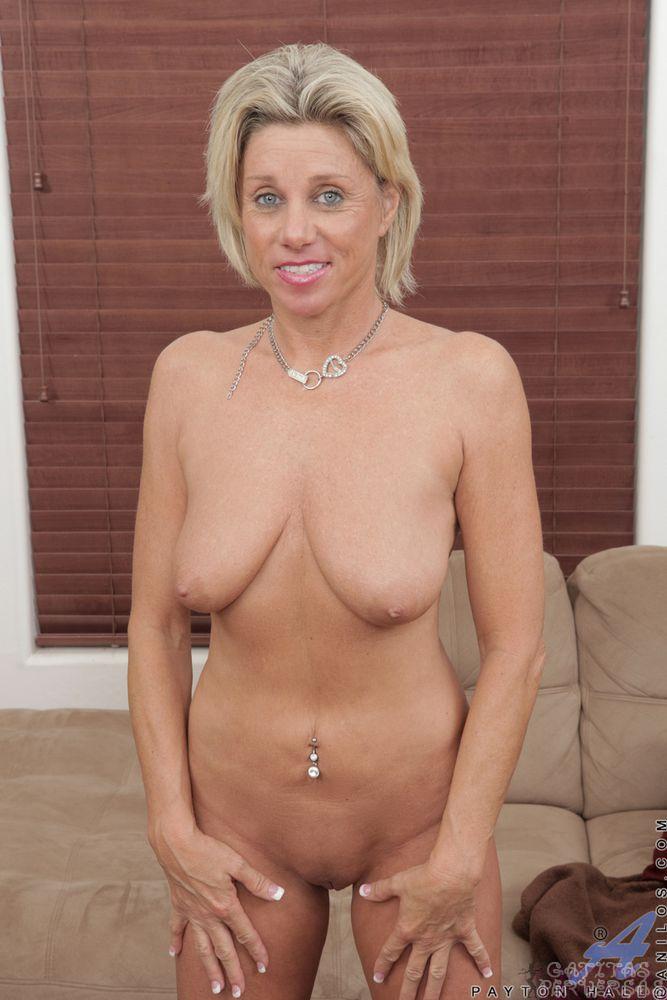 Promedio de mujeres mayores desnudas