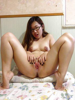 asiatica-desnuda-imagen02-gatitasperversas