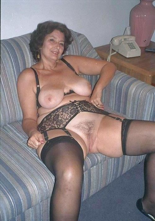 latinas desnudas Abuelas