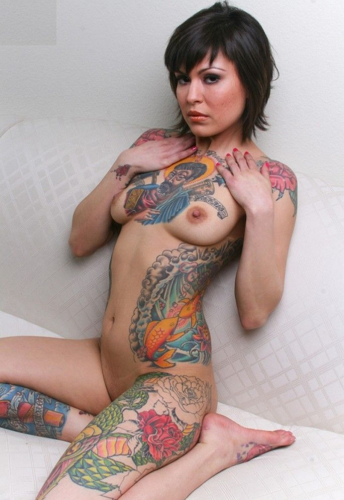 cute tattoo girls naked