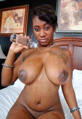 mujeres-negras-desnudas-gatitasperversas.com
