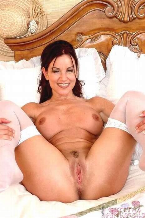 elegant-mature-women-sm61