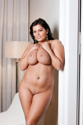 106868_26833-60369-full-bodied-big-natural-breasts-hottie
