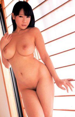 asiatica-desnuda-imagen04-gatitasperversas