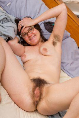 Fotos de Mujeres Peludas Desnudas