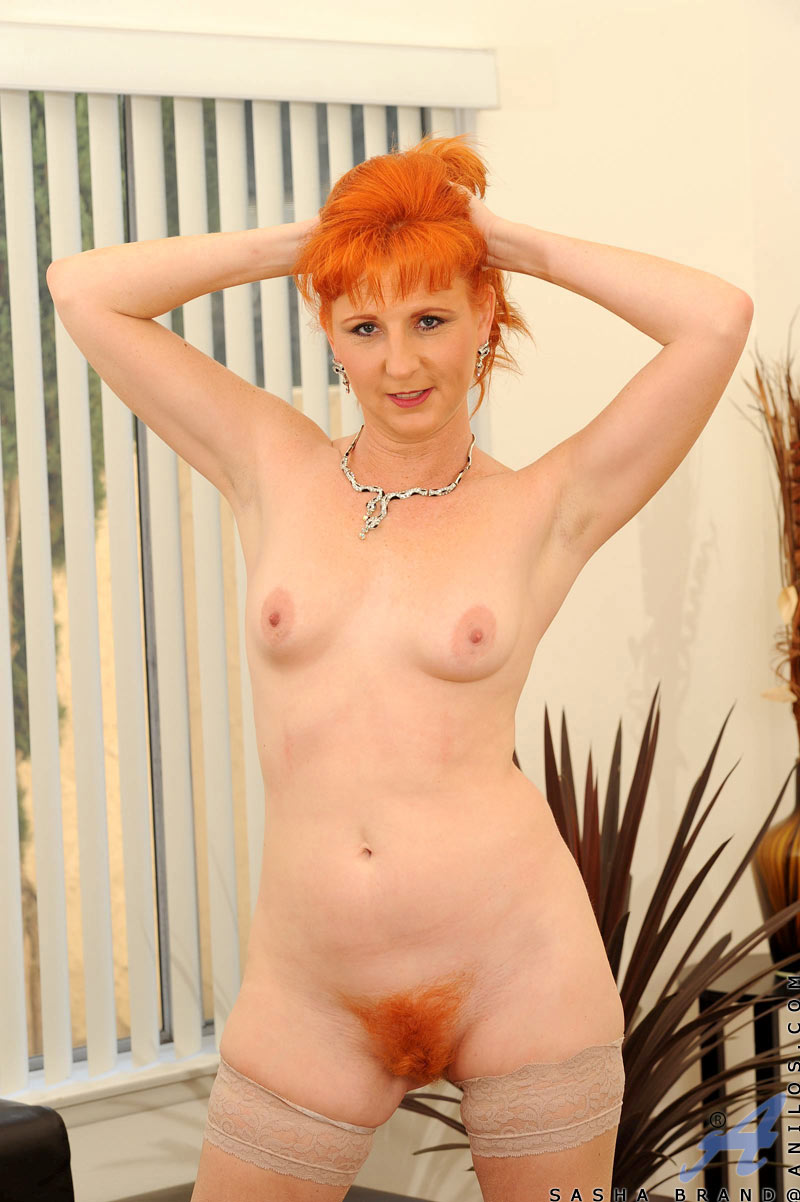 Mujeres Desnudas Cuarentonas maduras pelirroja en bolas   fotos porno xxx   chicas desnudas